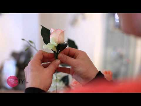 How to compliment your Wedding Dress for that Sydney wedding with a buttonhole