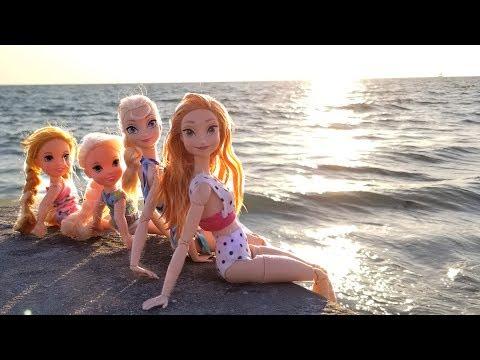 Xxx Mp4 Super Beach Day Elsa Amp Anna Toddlers Barbie Sand Play Water Fun Splash Sunset 3gp Sex