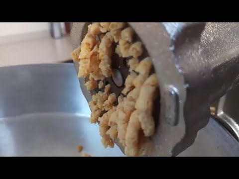 How to prepare  Falafel manually-vegetarian hamburger