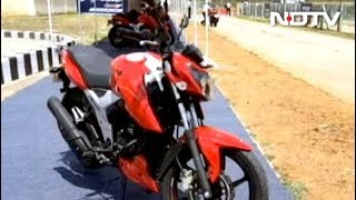 2018 || APACHE RTR160 4V Vs Pulsar Ns160 ||Which one is