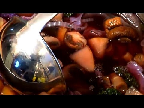 How to Make Red Cabbage Soup : Soups & Salads