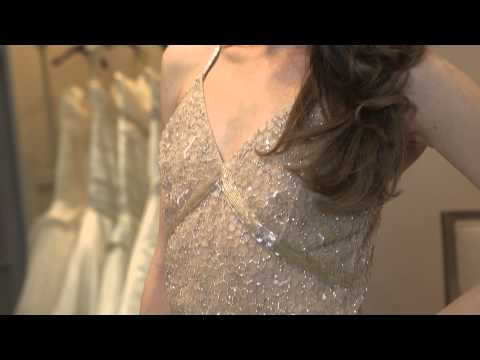 What Can a Women Wear if She Doesn't Want to Wear a Wedding Gown? : Bridal Fashion