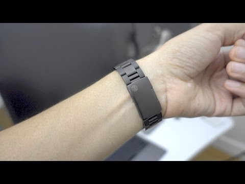 Hands-on: Monowear Metal, Leather, Nylon & Ceramic Apple Watch Bands