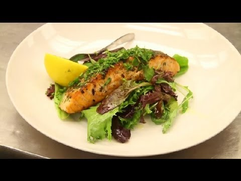 Herb-Crusted Salmon Salad : Healthy Recipes