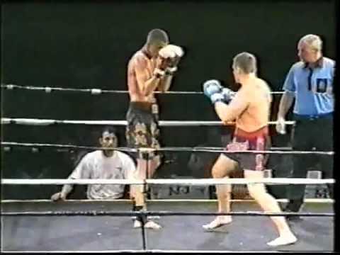 YOUNG BADR HARI TKO | BADR HARI FIGHT 2003. | HE WAS 19. | CHAKURIKI GYM