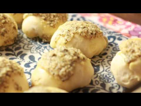 Cheesy Biscuit Bombs - Easy Appetizers For The Superbowl!