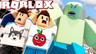 Roblox Adventures - SURVIVE BEING CRUSHED BY A GIANT ROBLOX NOOB! (Giant Survival 2)