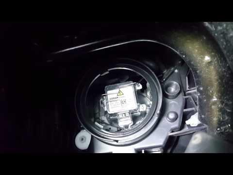 2015 Chrysler 200 HID Headlight Bulb Change