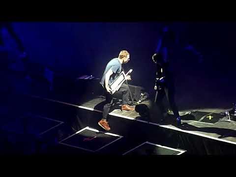 Gorillaz feat. Noel Gallagher - We Got The Power - O2 Arena, London - December 2017
