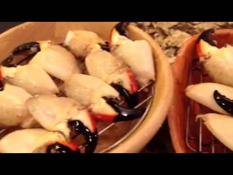 Sarasota Stone Crab Claws the way to eat them