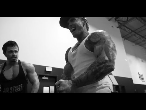 How to Build a Big Chest & Huge Triceps using only Light Weights
