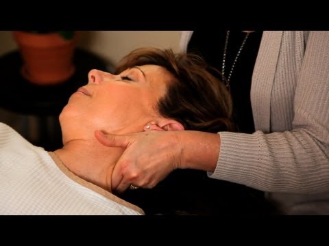 How Is Neck or Cervical Pain Treated? | Chiropractic Care
