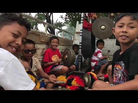 Bali Jam Band & Dogs!