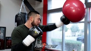 JOSEPH PARKER THROWING FAST COMBINATIONS ON AQUA BAG AHEAD OF ANTHONY JOSHUA FIGHT
