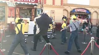 Amazing Minions Danceing in Luna Park ,Australia.