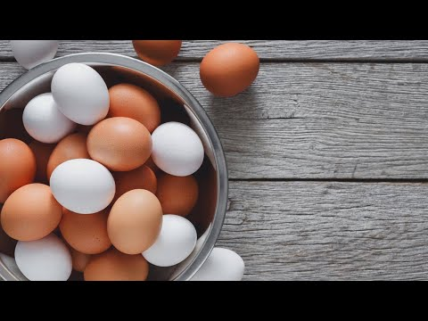 Does It Make a Difference If You Use White Eggs or Brown Eggs In a Baking Recipe?