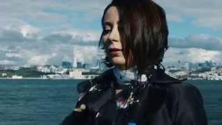 Ezginin Günlüğü - İnsan Sever Bir Kere ( Official Video )