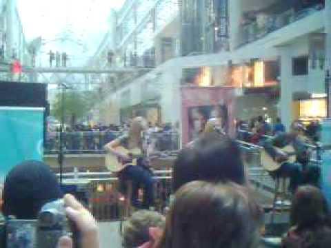 Aly&AJ Live @ The Eaton Centre
