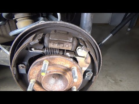 Drum brake shoes replacement (2001-2007 Ford Escape)