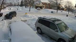 Car stuck in Snow FAIL or Fall