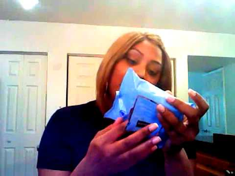 REVIEW ON NEUTROGENA MAKEUP REMOVER CLEANSING TOWELETTES!