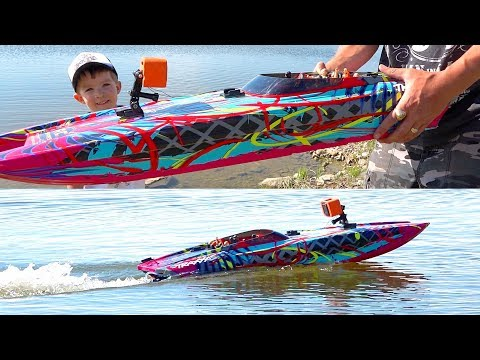 HYDROPLANiNG a HiGH-SPEED CATAMARAN! Playing w/ a Traxxas DCB M41 PARTY BOAT | RC ADVENTURES