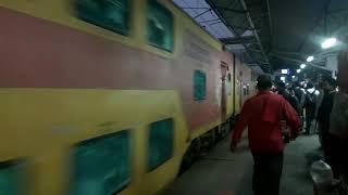 Double Decker Train in India, 12931 / 12932 Mumbai Central Ahmedabad Double Decker Express Train