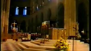 Koorreis Leudalzangers Parijs 1998, Notre Dame