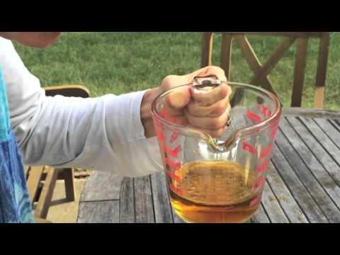 Homemade vinaigrette dressing - a Tasty Thursday video