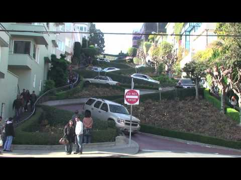 Lombard Street (The Crookedest Street in the World), San Francisco, California, USA
