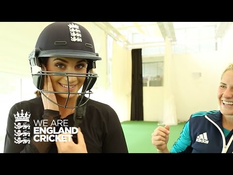Singer Laura Wright plays cricket with England Women