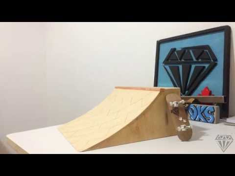How to make a pro fingerboard quarter pipe with bricks - Diamond decks fingerboard