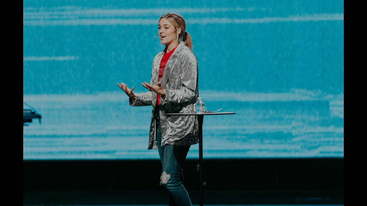 Sadie Robertson – Don't Waste the Waiting   Love is Red 2019