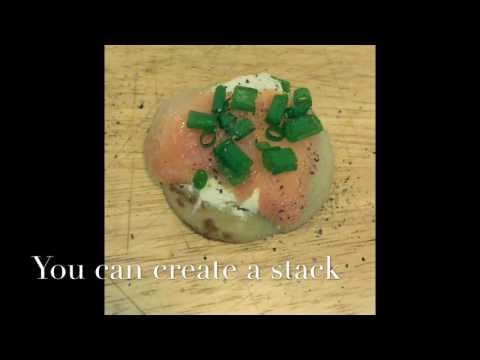 Smoked salmon mini Blinis