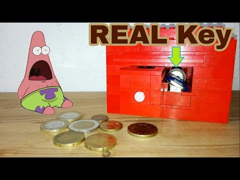 LEGO Safe with REAL Key!
