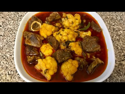 Spicy meat curry with cauliflower