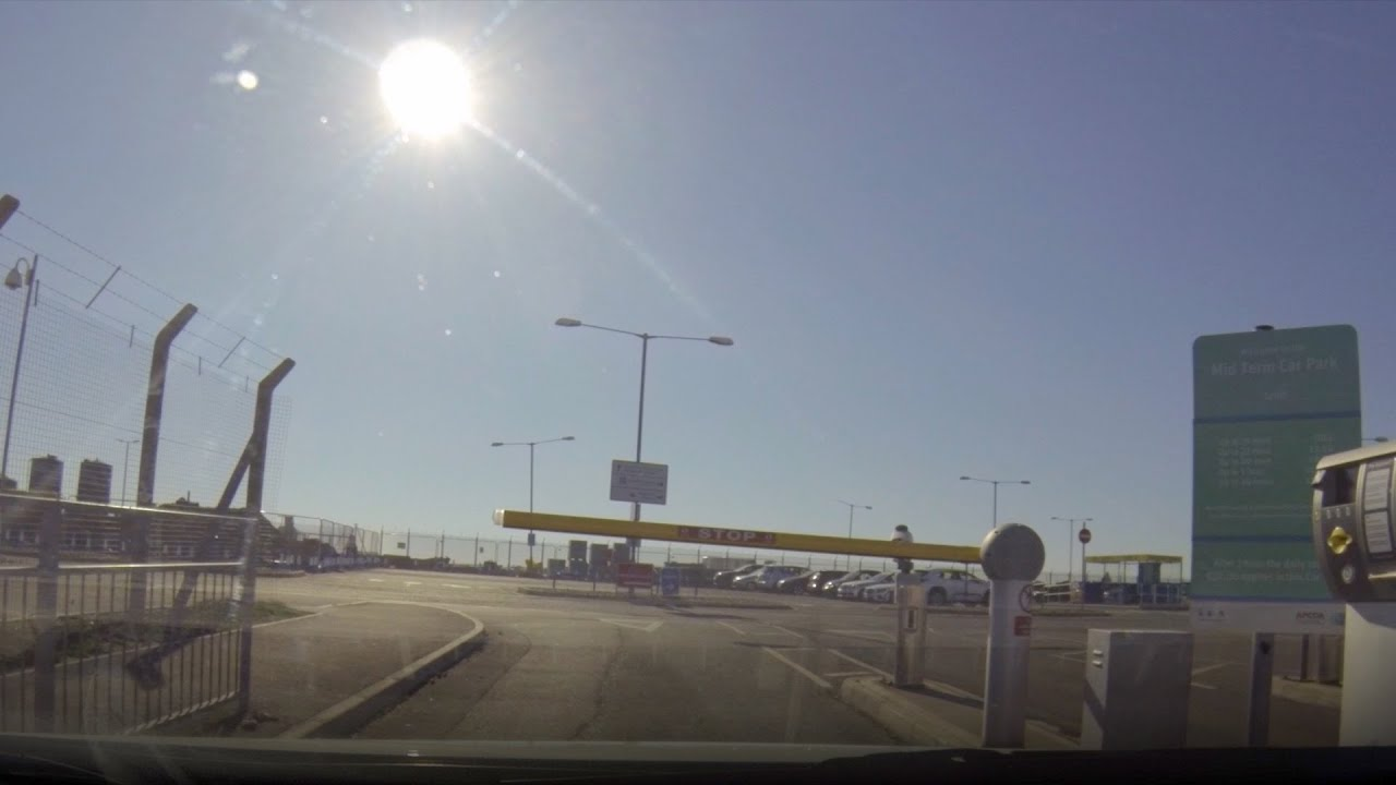 How to get to the official on-site Mid Stay Car Park at London Luton Airport