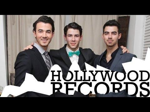Jonas Brothers Say Goodbye to Hollywood Records