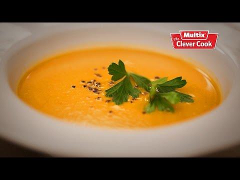 Spiced roast pumpkin soup