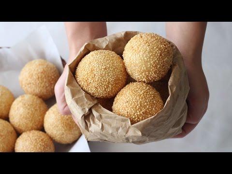 Sesame Balls Recipe with Mung Bean (Banh Cam Nhan Dau Xanh) Banh Ran