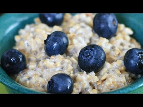 Easy Steel Cut Oats with Blueberries and Lemon Zest Recipe