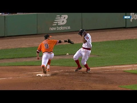 SF@BOS: Bogaerts takes throw off the side of his face