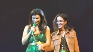 Download Fã de Laura Pausini toca e canta com a Italiana.