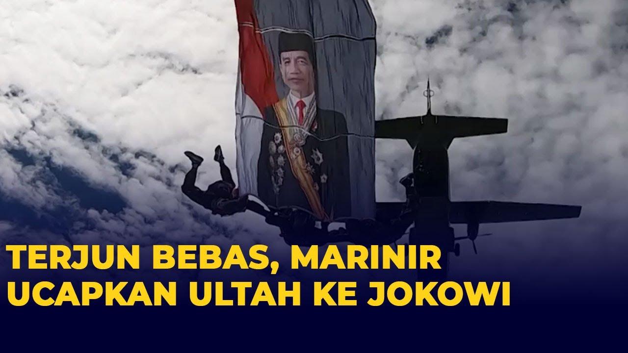 Sambil Terjun, Tim Skydiving Korps Marinir Ucapkan Selamat Ulang Tahun kepada Presiden Jokowi