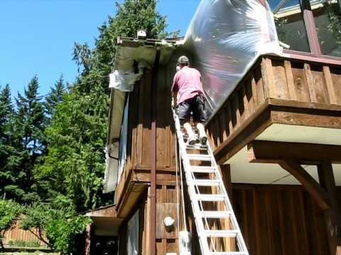 Spraying Solid-Coat Stain on Cedar Siding.avi