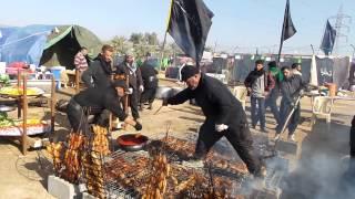 موكب خدام الامام الحسن اثناء تحضير الطعام للزوار الاربعين 1435 هجري