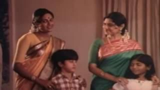 Deebangal aayiram deviyar yetrum deepavali - Marumagale vazhga