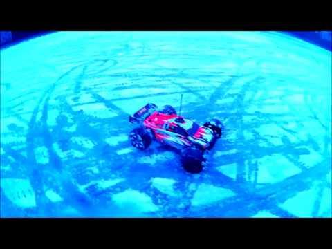 Driving an rc car on a frozen lake !!!