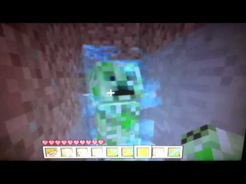 Cute charged creeper on minecraft Xbox 360 edition
