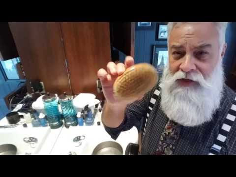 How to clean your beard brushes and combs